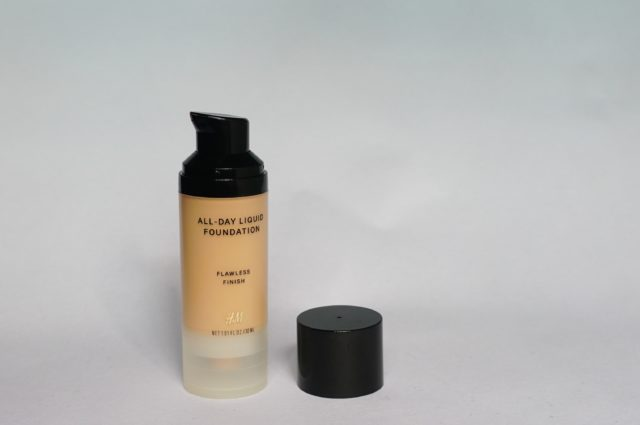 H&M All-day Liquid Foundation Flawless Finish- Warm Ivory