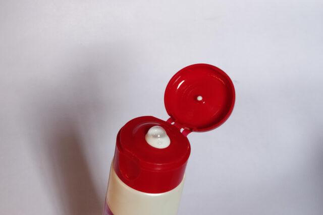 L'Oreal Paris Revitalift Milky Cleansing Foam